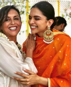 "rani-padmavati: """"Deepika Padukone at the Nandi Puja for her Pre-Wedding Ceremonies Wearing: Sabyasachi "" "" Deepika Ranveer, Deepika Padukone Style, Ranveer Singh, Kareena Kapoor, Bollywood Stars, Bollywood Fashion, Bollywood Jewelry, Indian Film Actress, Indian Actresses"