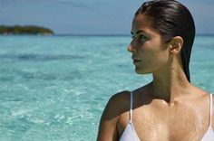 Bollywood actress Katrina Kaif has set the temperature soaring by posting a sizzling bikini picture! Katrina Kaif is trending online courtesy her bikini snapshot going viral and fans are going ga-ga admiring the picture.