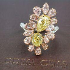 Fancy Pink & Yellow Diamonds Ring # แหวนแฟนซีในแบบวิจิตรศิล เพชรสีชมพูและสีเหลืองจัดเรียงกันอย่างเหมาะสม : ) Gems Jewelry, Diamond Jewelry, Fine Jewelry, Diamond Necklaces, Colored Diamond Rings, Colored Diamonds, Yellow Diamonds, Beautiful Diamond Rings, Yellow Jewelry