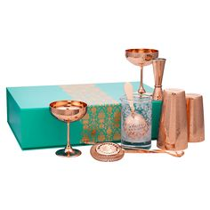 Prepare your Martinis with this Martini Gift Set. Purchase the essential collection of elegant bar tools to serve the king of classic cocktails. Holiday Gift Guide, Holiday Gifts, Hostess Gifts, Perfect Martini, Martini Set, Absolut Elyx, Acid Etched Glass, Kit Diy, Jewel Colors