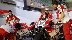 Casey Stoner testing for Ducati in Qatar (pic: Peter McLaren)