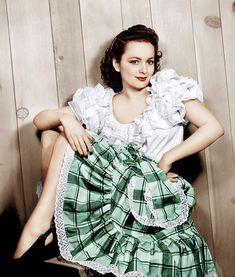 Old Hollywood Glamour, Golden Age Of Hollywood, Vintage Hollywood, Hollywood Stars, Classic Hollywood, Olivia Havilland, Divas, Nostalgia, Star Wars