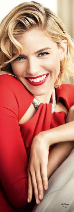 Sienna Miller by Mario Testino - Vogue UK ❤