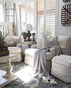 At the end of the week there's no better way to wind down than with a glass of wine, a good book, and a cozy throw.: At the end of the week there's no better way to wind down than with a glass of wine, a good book, and a cozy throw. Modern Farmhouse Living Room Decor, Coastal Living Rooms, Living Room Interior, Farmhouse Decor, Modern Living, Farmhouse Curtains, Farmhouse Style, Minimalist Living, Modern Bedroom