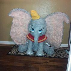 Dumbo Party Pinata Dumbo Birthday Party, Baby Boy 1st Birthday, Carnival Birthday Parties, Circus Birthday, Circus Theme, Circus Party, Birthday Party Themes, Birthday Ideas, Kids Party Themes