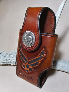 Leather Cell Phone Cases, Leather Crafts, Leather Working, Leather Case, Gadget, Cowboy Boots, Craft Projects, Brass, Sewing