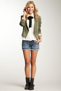 Faded Distressed Short
