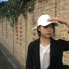 Cap Girl, Uzzlang Girl, Korean Girl, Asian Girl, Good Girl, Girl Couple, Pretty Asian, Girl With Hat, Girl Crushes