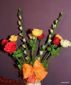 Kwiaty z bibuły - róże i dzwonki