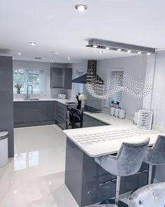 Kitchen Room Design, Home Room Design, Kitchen Cabinet Design, Home Decor Kitchen, Best Online Furniture Stores, Affordable Furniture, Kitchen Models, Cuisines Design, Dream Rooms