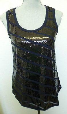 I love a little sparkle, especially for the holidays! this would be cute for new years eve :)