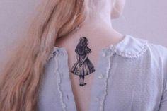 Tatuajes que sólo a los escritores se les verán bien.