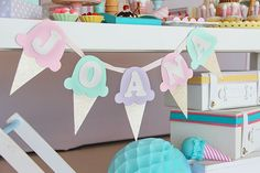 Children's party with ice cream theme – Constance Zahn Ice Cream Theme, Ice Cream Party, Birthday Party Themes, 2nd Birthday, Ice Cream Decorations, Candy Party, 1st Birthdays, Baby Girl Gifts, Childrens Party