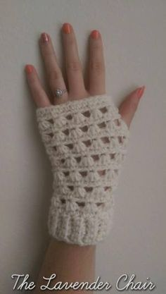 Lazy Daisy Fingerless Gloves ~ Dorianna Rivelli