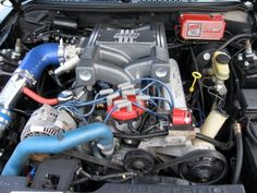 Ford Windsor V8 302 topped off with a BBK SSI Intake 95 Mustang