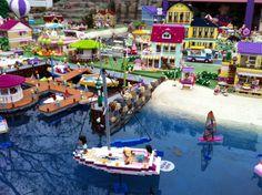 Een vakantie in Denemarken met kinderen kan niet stuk. Niet voor niets is het land uitgeroepen tot meest kindvriendelijke vakantieland. Neem een kijkje in de vele mogelijkheden. Beautiful Places In The World, Lego Friends, Legoland, Denmark, Travelling, Scandinavian, Places To Go, Holiday, Vacations