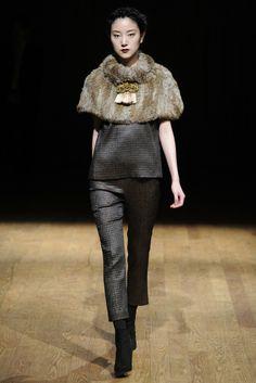 Josie Natori RTW Fall 2014 - Slideshow - Runway, Fashion Week, Fashion Shows, Reviews and Fashion Images - WWD.com