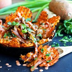 Sweet potato waffle fries topped with melty cheese caramelized kimchi and chili mayo- lightened- up gluten free and vegan. Kimchi, Side Recipes, Vegan Recipes, Vegan Ideas, Vegan Foods, Quick Vegetarian Meals, Vegan Vegetarian, Raw Vegan, Healthy Fries