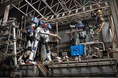 Strike Gundam, Zeta Gundam, Gundam Art, Custom Gundam, Custom Paint Jobs, Diorama, Plant, Building, Guy