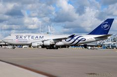 China Airlines Boeing 747-400 B-18206 in Skyteam livery at Amsterdam Schiphol.