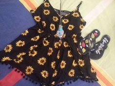 Hoje tem look com cara de verão no Blog com Banggood  Estou participando da blogagem coletiva com as meninas do #oxenteblogs, passa lá pra conferir tudin.  http://jeanecarneiro.com.br/look-de-verao-macacao-com-estampa-de-girassol/  #lookdodia #macacao #banggood #banggoodfashion #fashion #banggoodbrasil #petitejolie #acessorios #blogger #fashionblogger #moda #estilo #style #verao #verao2016 #blogagemcoletiva