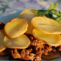 Serbian Ground Beef, Veggie, and Potato Bake Best Potato Casserole Recipe, Brunch Casserole, Casserole Dishes, Serbia Recipe, Beef Recipes, Cooking Recipes, Kid Recipes, Recipies, Ground Beef And Potatoes