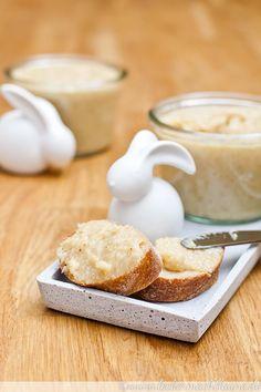 Weißer Schoko-Mandel-Aufstrich mit Kokos Healthy Eating Tips, Healthy Nutrition, Vegetable Drinks, Love Eat, The Breakfast Club, Jam Recipes, Snacks, Panna Cotta, Food And Drink