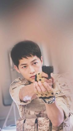 Song Jong Ki in Decendants of the Sun