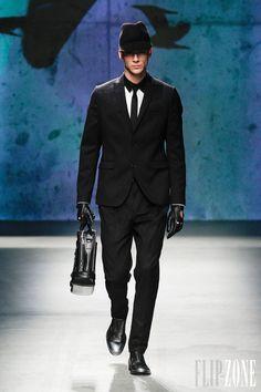 Kenneth Cole - Menswear - Fall-winter 2013-2014 - http://en.flip-zone.com/fashion/menswear/kenneth-cole