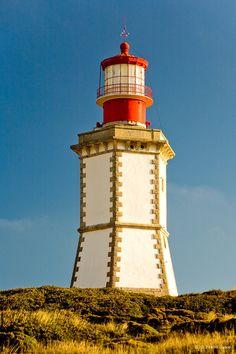 farol do Cabo EspichelSesimbra freguesia do Castelo,Distrito de Setúbal Portugal 38.415611, -9.216444