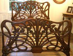 Chéri Art Nouveau bed Michelle Pfeiffer mahonie