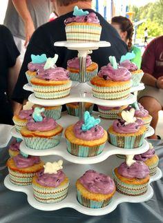 Baby shower cupcakes--Lemon with Fresh blueberry cream cheese topping and White chocolate elephants