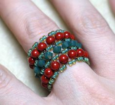 Same pattern will work for bracelets Jewelry Making Tutorials, Jewelry Making Beads, Seed Bead Jewelry, Crystal Jewelry, Jewelry Rings, Jewelery, Beaded Jewelry Designs, Handmade Jewelry, Stylish Rings