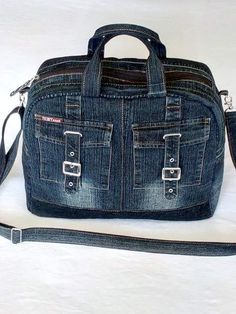 15 New Ideas sewing backpack pattern diy fabrics Fabric Tote Bags, Denim Tote Bags, Denim Purse, Tote Purse, Hobo Bag, Purses And Bags, Jean Purses, Denim Backpack, Diy Sac