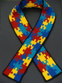 AUTISM AWARENESS PUZZLE PIECE SCARF - FREE CROCHET PATTERN!! I AM SO MAKING THIS!!