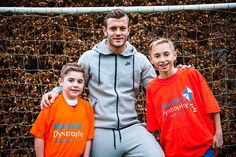 Wilshere's meeting with the boys was organised by theMuscular Dystrophy Campaign...