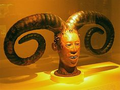 Google Image Result for http://spirittourism.com/wp-content/uploads/2010/11/I-Love-To-Collect-African-Art.jpg