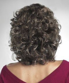 Medium length hair for square faces for women over 50 - 2