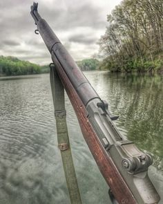 🔶Which rifle was was better in WW Military Weapons, Military Art, Scout Rifle, Ww2 Weapons, M1 Garand, Hunting Rifles, Arsenal, Guns And Ammo, Firearms