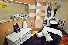 Wolfryz Salon. Olga Wolf Wolf, Spa, Vanity, Mirror, Furniture, Home Decor, Dressing Tables, Powder Room, Decoration Home