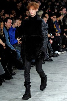 rick-owens-fall-2013-street-goth-style-19 Unisex Fashion, Mens Fashion, Minecraft Girl Skins, Street Goth, Fashion Show, Fashion Design, Quilted Jacket, Vogue Paris, Rick Owens