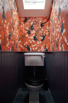 Downstairs Loo Makeover - Mad About The House Inspiration and ideas for a tiny downstairs loo powder room. Add a bold print wallpaper like this De Gourney monkey wallpaper by Brian O'Tuama Wallpaper Wall, Monkey Wallpaper, Bathroom Wallpaper, Wallpaper Toilet, Colorful Wallpaper, De Gournay Wallpaper, Crazy Wallpaper, Silk Wallpaper, Hand Painted Wallpaper