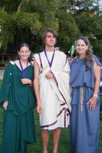 How to Make Peplos, Chiton, or Stola #Roman #women #clothing
