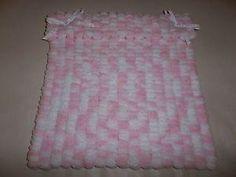 Pompom Wool Blanket - Knitting creation by mobilecrafts | Knit.Community