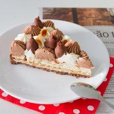 Fantastik amandes chocolat : des ganaches onctueuses déposées sur un financier amandes. Retrouvez la recette complète et détaillée.