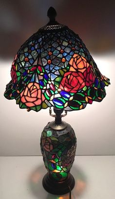 Vintage Tiffany Style Table Lamp Stained Glass Lighted Base Accent Lighting  | EBay