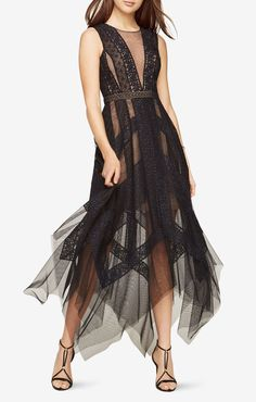 Looking for the perfect outfit for an upcoming special occasion? Shop BCBGMAXAZRIA's selection of formal clothes and outfits for women and turn heads at any event! Fashion Vestidos, Fashion Dresses, Women's Fashion, Lace Dress Black, Striped Dress, Dress Lace, Mode Glamour, Transparent Dress, Fall Dresses