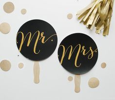 Photo Prop. Photobooth Prop. Mr and Mrs Wedding Signs - Black and Gold