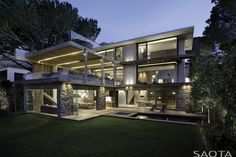 This South African guy turned his old house into stunning contemporary home of dreams - by acquiring the company who designs world's most beautiful houses.