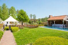Celebrate your wedding in your own garden  POOL-WEDDING-GARDEN-WHITE